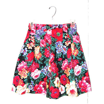 Vintage High Waisted Floral Shorts. Byer California . Ladies Size S