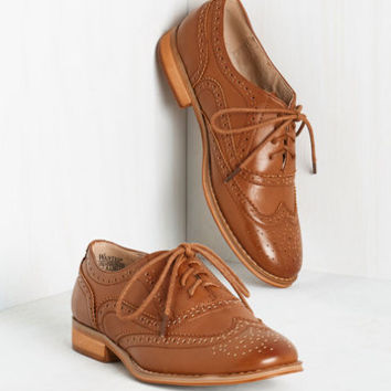 Talking Picture Flat in Rich Caramel | Mod Retro Vintage Flats | ModCloth.com