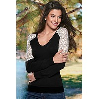 V-neck Lace Patchwork Long Sleeves T-shirt