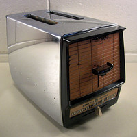 Vintage Chrome GE Toaster Coppertone Retro Kitchen
