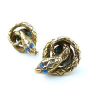 Vintage Snake Earrings with Blue Rhinestone Eyes - Cleopatra Cobra Earrings - Boucles d'Oreilles. Vintage Jewelry by My Chouchou.