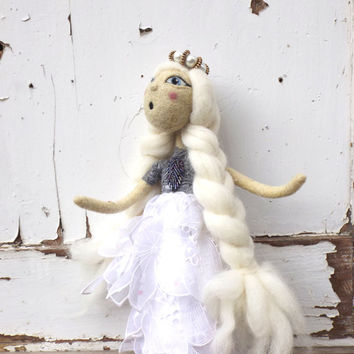 Christmas artdoll Snow Queen, collectible fairy christmas doll, white needlefelted OOAK figurine