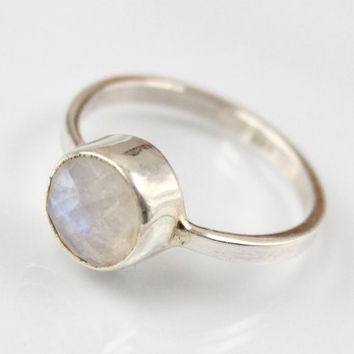 Rainbow moonstone ring, Size 6, Sterling Silver ring, White ring, bezel set ring, gemstone ring, June birthstone ring