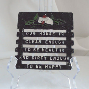 Funny Kitchen Decor / Kitsch Iron Trivet