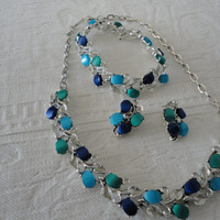 Vintage Thermoset Parure Lucite Green Blue Necklace Earrings Bracelet Set