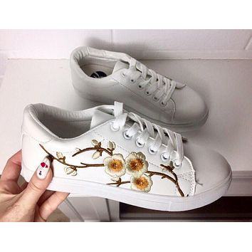 Women Casual Embroidery Flower Small White Shoes Plate Shoes Sneakers