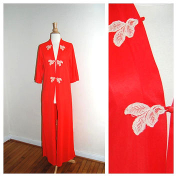 60s Dressing Gown . Formfit-Rogers Robe . Coral Lace . Bell Sleeves . size S M
