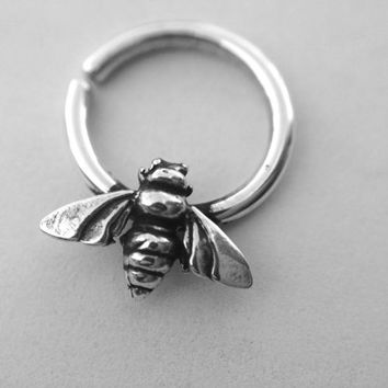 Honey Bee Septum Ring