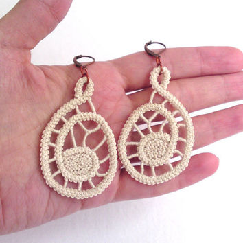 Spiral earrings, crochet, cream, handmade romanian point lace sewed earrings, simple, spiderweb