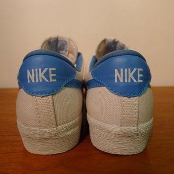 Vintage NIKE Tennis Shoes Canvas Women's Size 5 vtg 1980's athletic sports outdoor spo