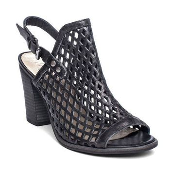 ICIKAB3 Matisse Centered Black Heeled Sandals