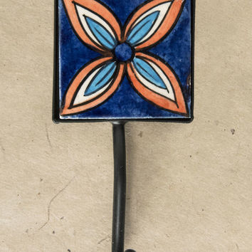 "2"" x 2"" Ceramic Tile Hook"