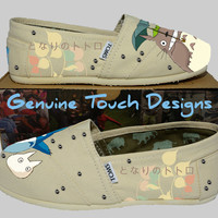 Hand Painted Toms. Fanart My Neighbor Totoro. Custom Handpainted shoes.