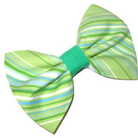 Green fabric bow, Womens hair clip, bridesmaid gift, swirl lime green cotton fabric stripe print hair clips, simple large fabric bows