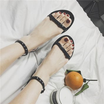 2017 New Europe Summer Flat Sandals Sexy Rivets Studded Ankle Strap Woman Sandals Women Jelly sandals Roman Flats Shoes