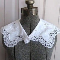 Vintage EDWARDIAN  LACE COLLAR with Crochet Edge 1920s