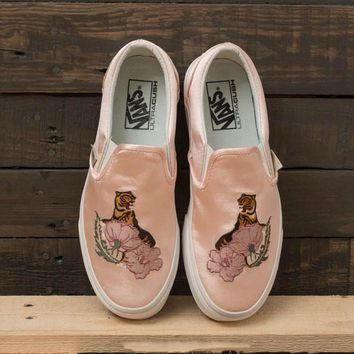 Vans Classic Slip-On DX CL Flower Tiger Embroidery Sneaker
