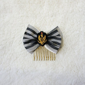 $10.00 Striped Bow and Emblem Hair Comb by Naomilingerie on Etsy