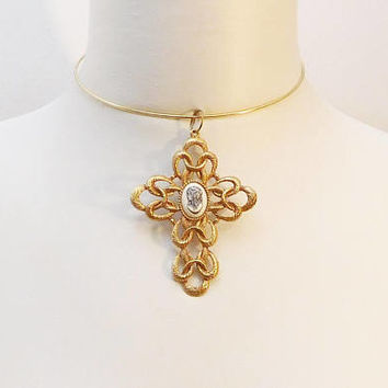 Extra Large Cross, Brutalist, Pendant Necklace, Wire Hoop Choker, Gold Tone, Cameo Pendant, Brushed Metal, Metal Choker, Round Choker