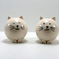 Ceramic cats, salt and pepper shaker, express shipping, ceramic cat shaker, pottery cat, ceramic fat cat, clay cat, pottery cat, cat shakers