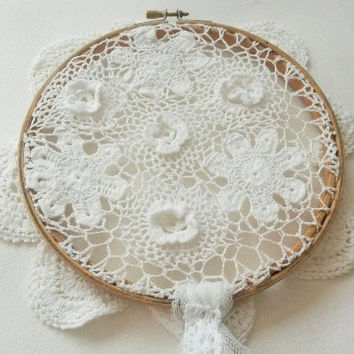 White dream catcher, lace dreamcatcher, white dreamcatcher, dream catcher, dreamcatcher, small dreamcatcher, doily dreamcatcher, crochet,