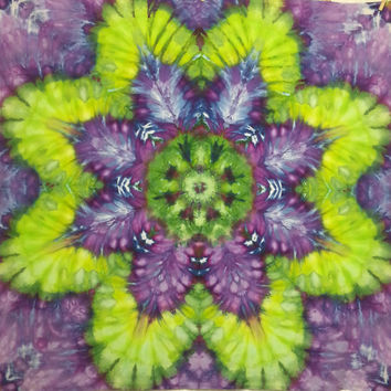 Mandala tie dye tapestry trippy purple green