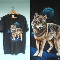 1980s. MENS. celestial cosmic moon wolf t shirt. m-l