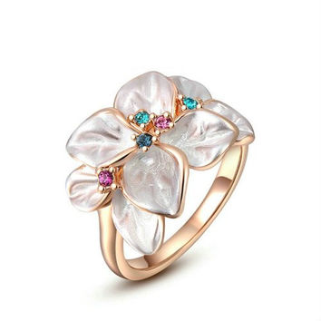 [Statement Rings] White Flower Rings 18K Gold Plated Women Jewelry Colorful Cubic Zirconia Fashion Cocktail Ring for Mother's Day Gift