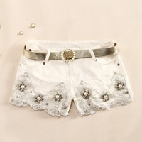 L 071912 Slim temperament crochet pearl denim shorts