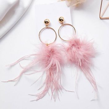 Bohemian New Trendy Pink Grey Feather Tassel Long Earrings For Women Statement Metal Circle Dangle Earrings Femme Bijoux