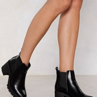 Chelsea Dagger Heeled Boot