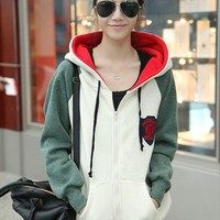 Beige Fleeces Loose Medal Sweatshirt $41.00