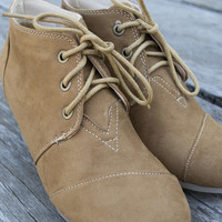Montana Suede low wedge lace-up bootie | Tan