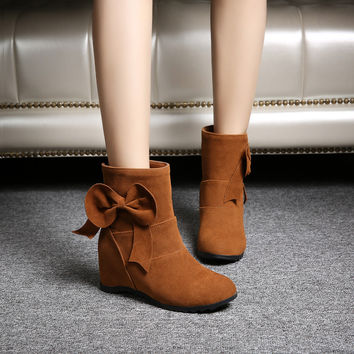 Suede Round Toe Bow Hidden Heel Short Boots