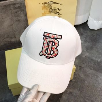 BURBERRY Summer Fashionable Women Men Embroidery Sports Sun Hat Baseball Cap Hat White
