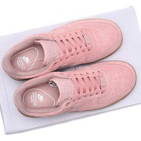 DCCKO03T NIKE WMNS AIR FORCE 1 07 SE