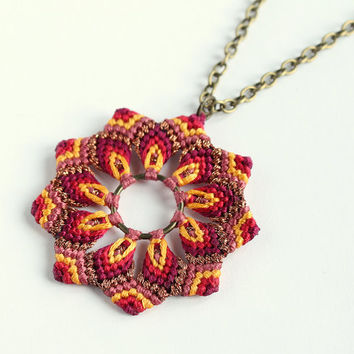 Macramè flower mandala necklace golden red orange boho hippie