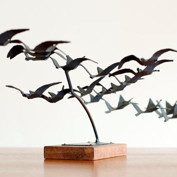 Vintage Modernist Brutalist Metal Sculpture Figural Flying Birds Siggi Munk - Mid Century