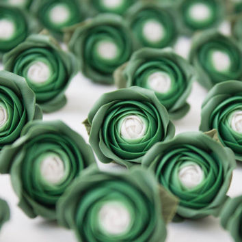Flowers MAGNETS, Flowers WEDDING FAVORS, rose party favor, green, baby shower favor,  bridal favors, guest favors