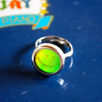 VTG 90s Hologram Smiley Face Ring