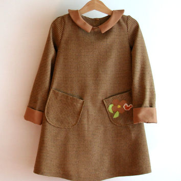 Winter girl dress champagne woolen fabric, peter pan collar and cuffs in hazelnut velvet.