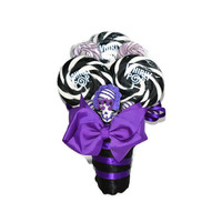 Lollipop Candy Small Bouquet for maid of honor (Purple/Black with sugar skulls) Halloween, Day of the dead, Dia de los muertos