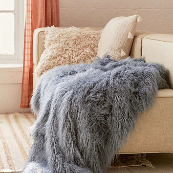Faux Lamb Fur Throw Blanket   Urban Outfitters