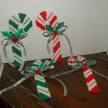 handmade plastic canvas chirstmas holiday candy cane set of 4 wall hanging decor