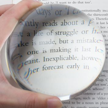 """Large 3.9 Inch Glass Dome Magnifier/Paper Weight by Hombae – Genuine Crystal Glass, Easy to Glide Paperweight, Professional Grade Reading Aid for Newspapers, Maps, Books – Large 3.9"""" Diameter"""