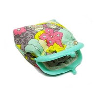Small pouch - Fabric coin purse - Small coin purse -  Mint and Pink - Framed clutch purse - Plastic Frame