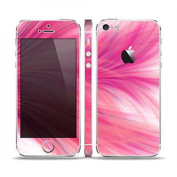 The Abstract Pink Flowing Feather Skin Set for the Apple iPhone 5