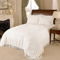 Medallion Chenille Bedspread in White