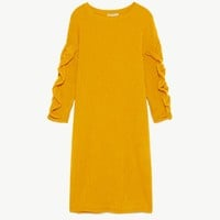 TEXTURED DRESS WITH RUFFLED SLEEVES DETAILS