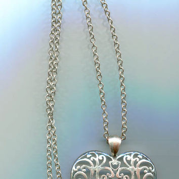 vintage filigree heart necklace pendant silvertone chain costume jewelry 90s